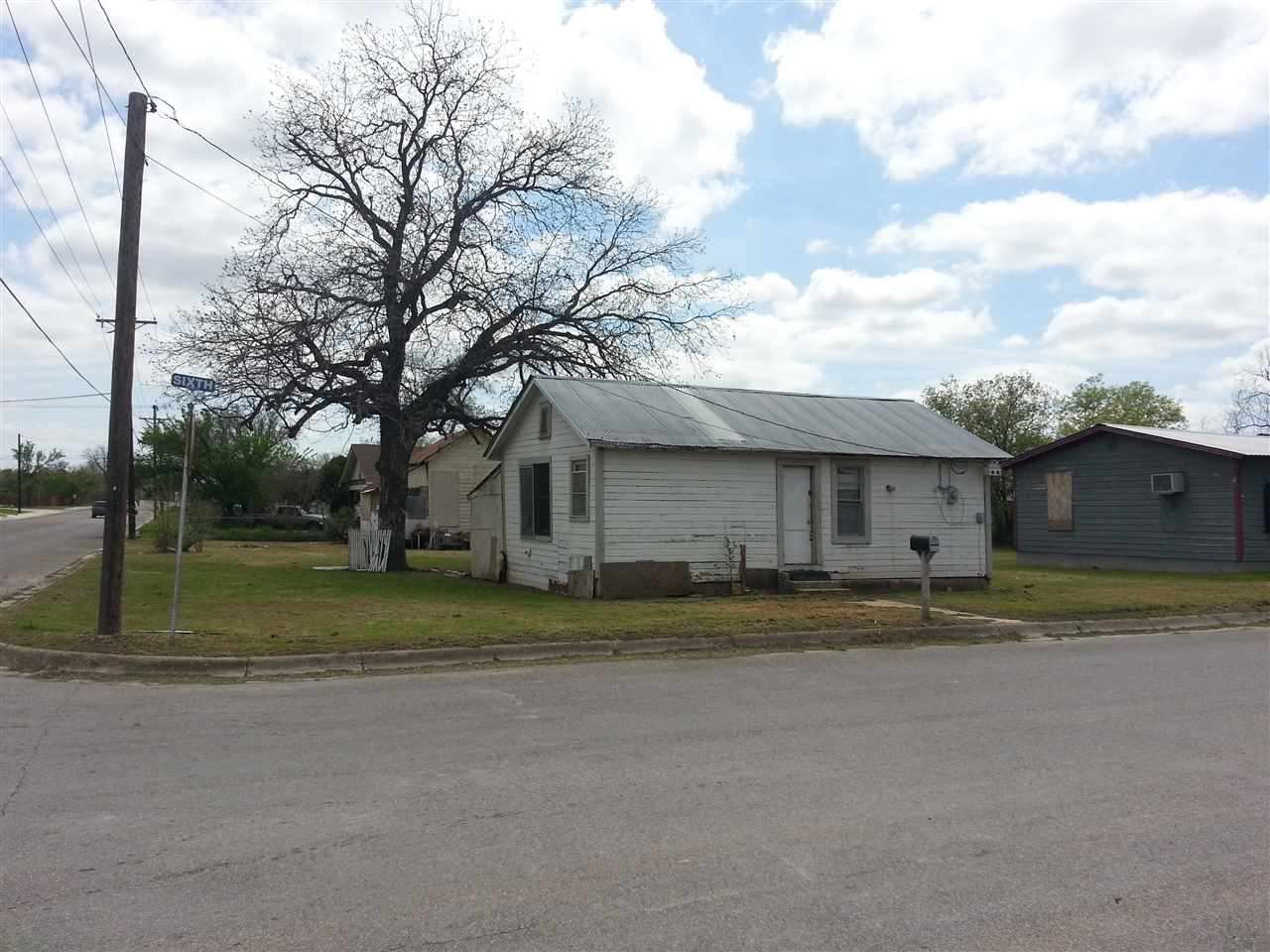 Lampasas, TX - Barnes