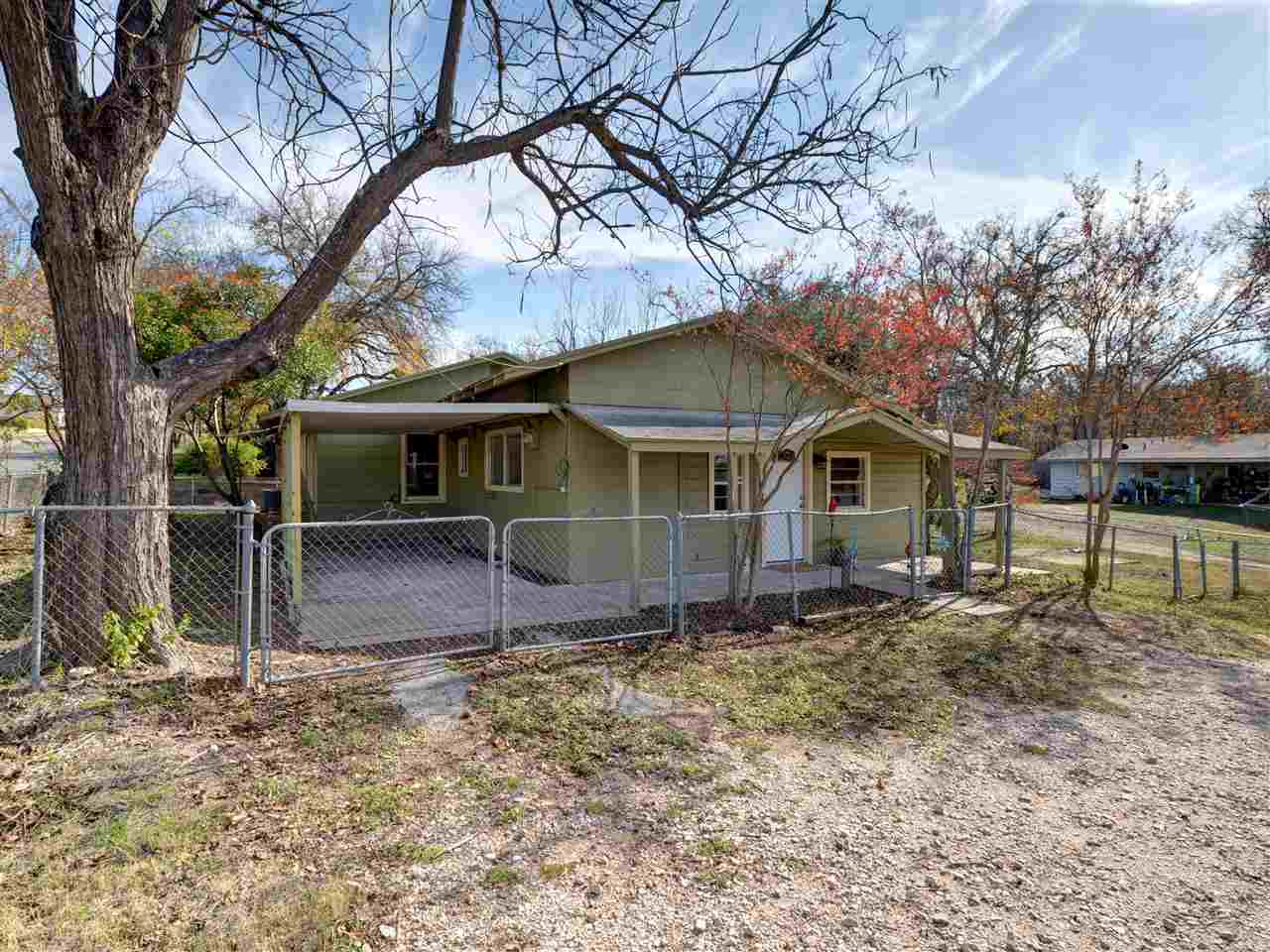 915 Avenue G, Marble Falls, TX 78654 - MLS #142496