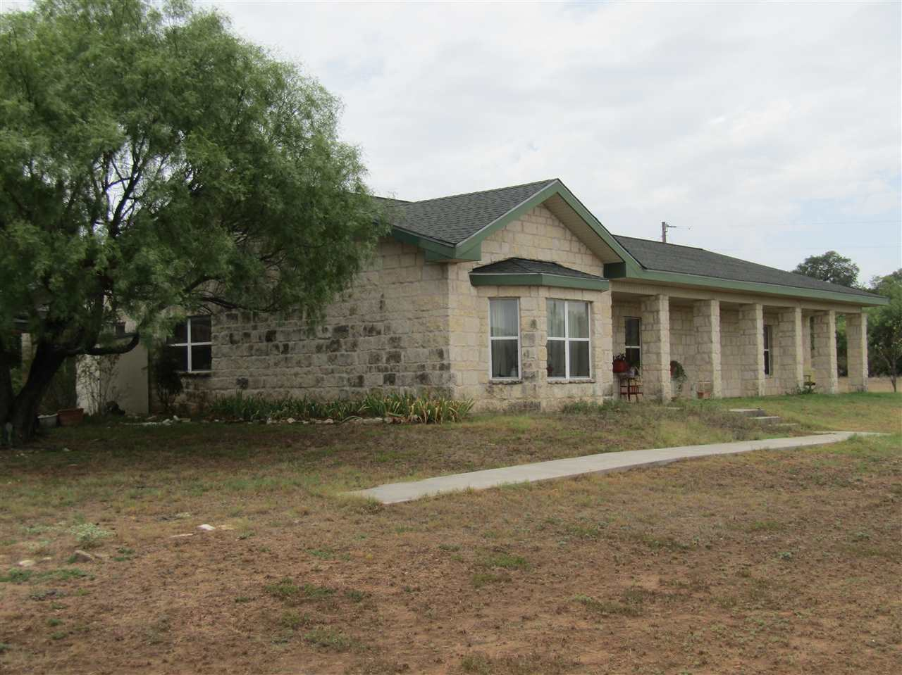 124 County Road 118, Llano, TX